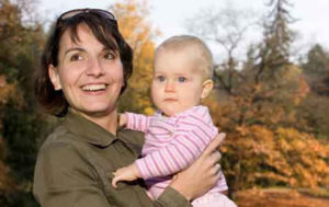 Das Bild zeigt eine 38jährige Frau, die ihr Kind dank Akupunktur trotz Schwangerschaftsdiabetes auf natürliche Art und Weise zur Welt bringen konnte.